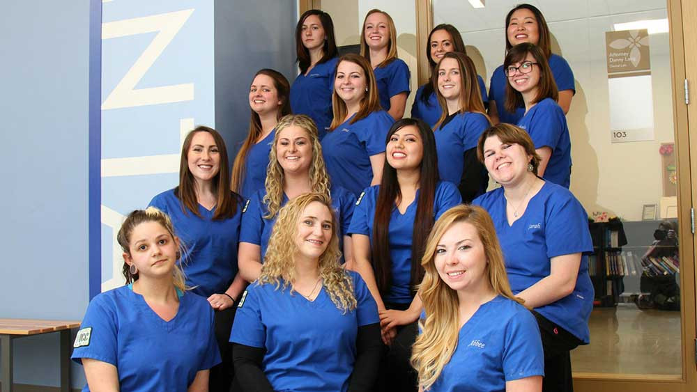 2017_Dental-Assisting-Class