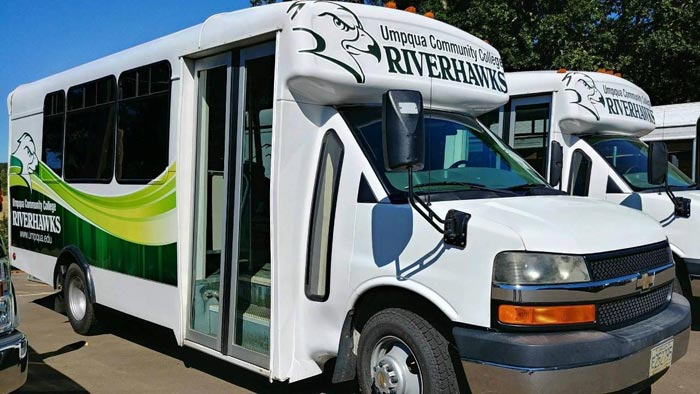 Riverhawk Bus.1 crop